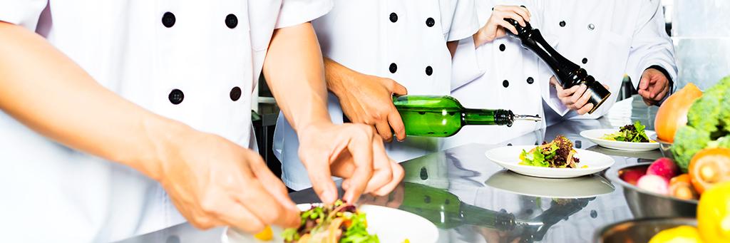 Cours de cuisine khmère à l'école Paul Dubrule