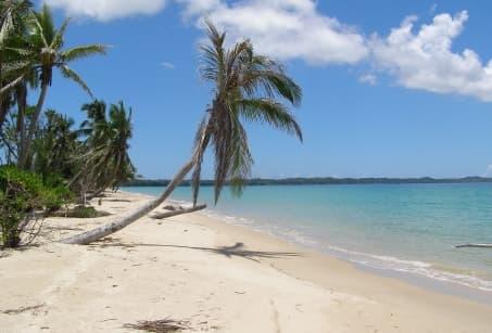 D'île en île en pirogue