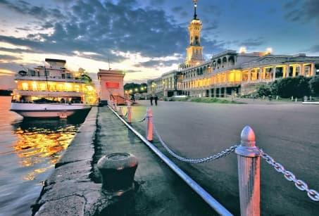 De Moscou à Saint Petersbourg au rythme des flots !