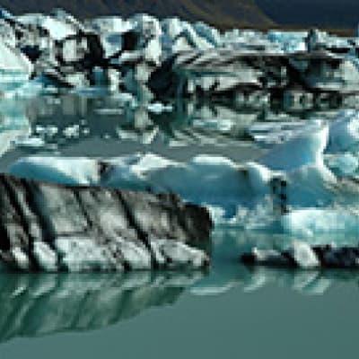 Croisière au milieu des icebergs