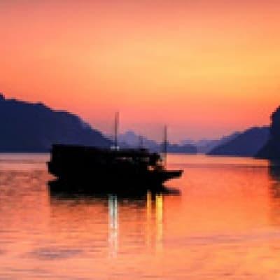 Croisière et Nuit sur votre jonque en baie d'Halong