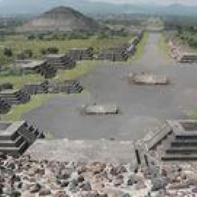 Chichen Itza et Valladolid, de l'époque précolombienne à l'époque coloniale