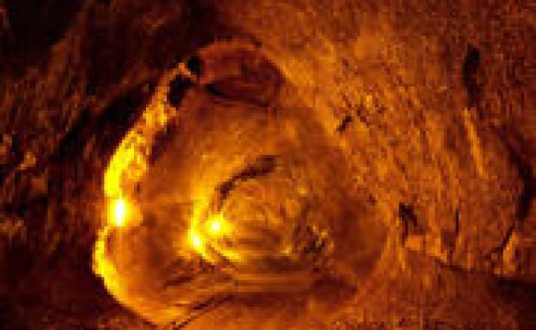 Visite des tunnels de lave