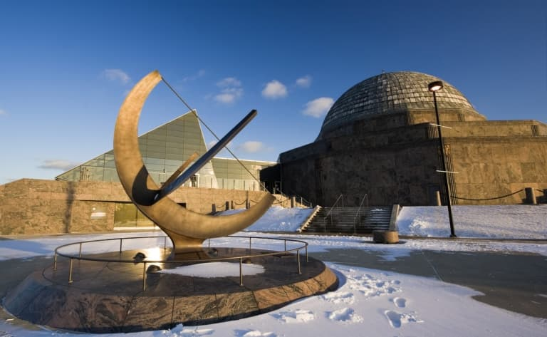 Adler Planetarium & Astronomy Museum ou Art Institute of Chicago