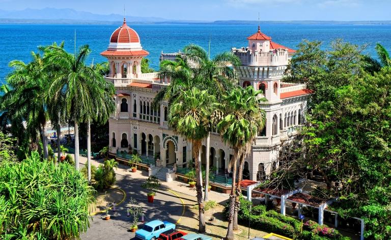 L'architecture néoclassique de Cienfuegos et route vers la plage