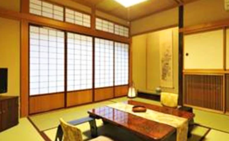 Hotel Takayama