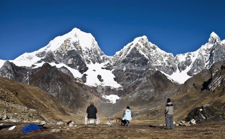 Un sommet et des glaciers