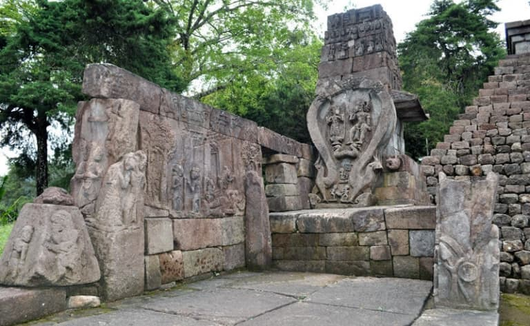 Temple Ceto et temple Sukuh