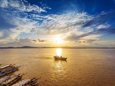 En route pour Bagan : Croisière sur l'Irrawaddy