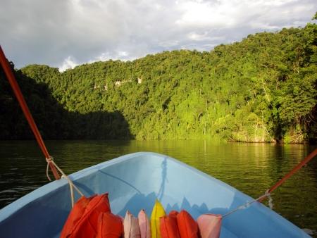 Navigation sur le Rio Dulce