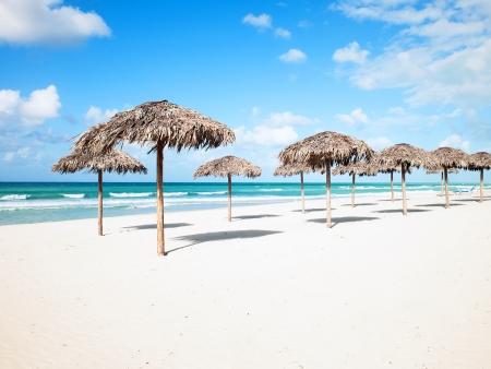 Farniente sur une plage de sable blanc