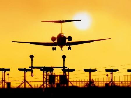 Transfert à l'aéroport pour votre vol retour vers la France.