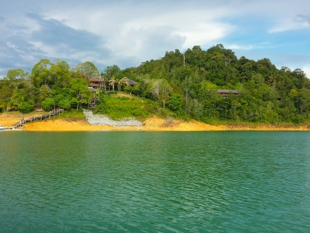 Sur le lac Batang Ai