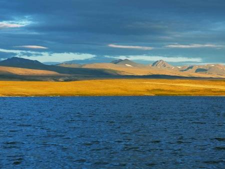 Les steppes centrales et le lac Oguy