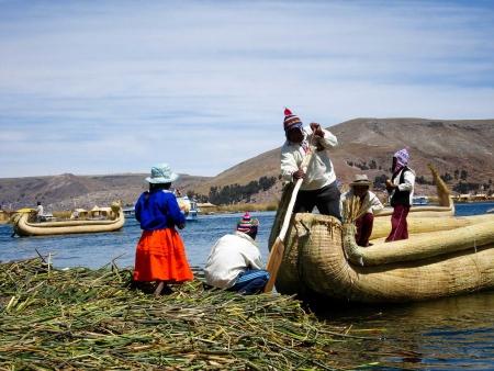 Le lac Titicaca et ses îles flottantes