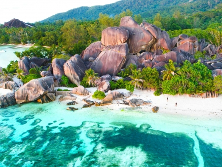 Départ vers La Digue, l'île intimiste au charme traditionnel