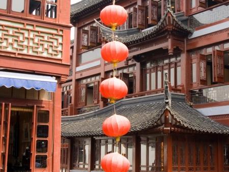 Visite des jardins Yu, promenade sur le Bund, le temple de Bouddha de Jade