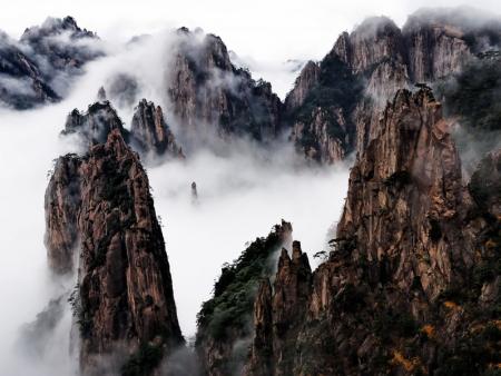 La tête dans les nuages au Mont Huangshan