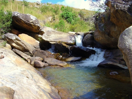 Vers les grottes d'Anjohibe