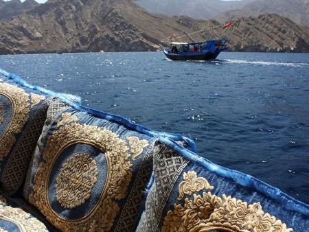 Croisière sur les eaux émeraude de la péninsule de Musandam