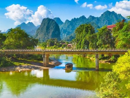Campagne magnifique de Vang Vieng