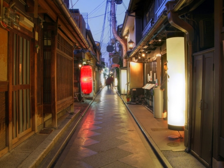 You will love the Kyoto Handicraft Centre, which sells a large choice of local handicrafts.