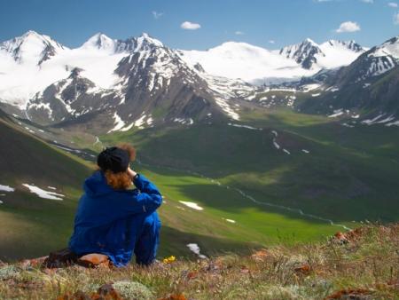 Une belle vallée et de nombreuses collines