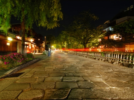Kinkaku-ji, Ryoan-ji and Kiyomizu-dera temples, stroll in the streets of Gion