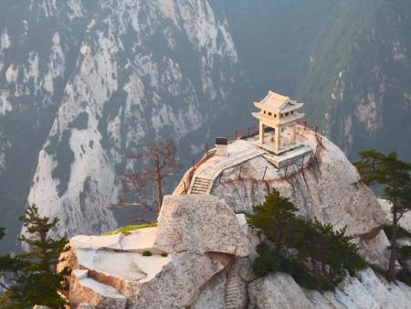 Les mystérieuses grottes ou le palais géant souterrain de Huashan