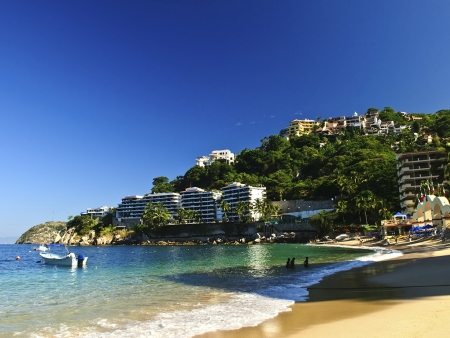 Bain de soleil dans la baie enchanteresse de Puerto Vallarta