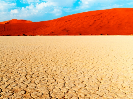 Spectaculaires dunes rougeoyantes de Sossusvlei